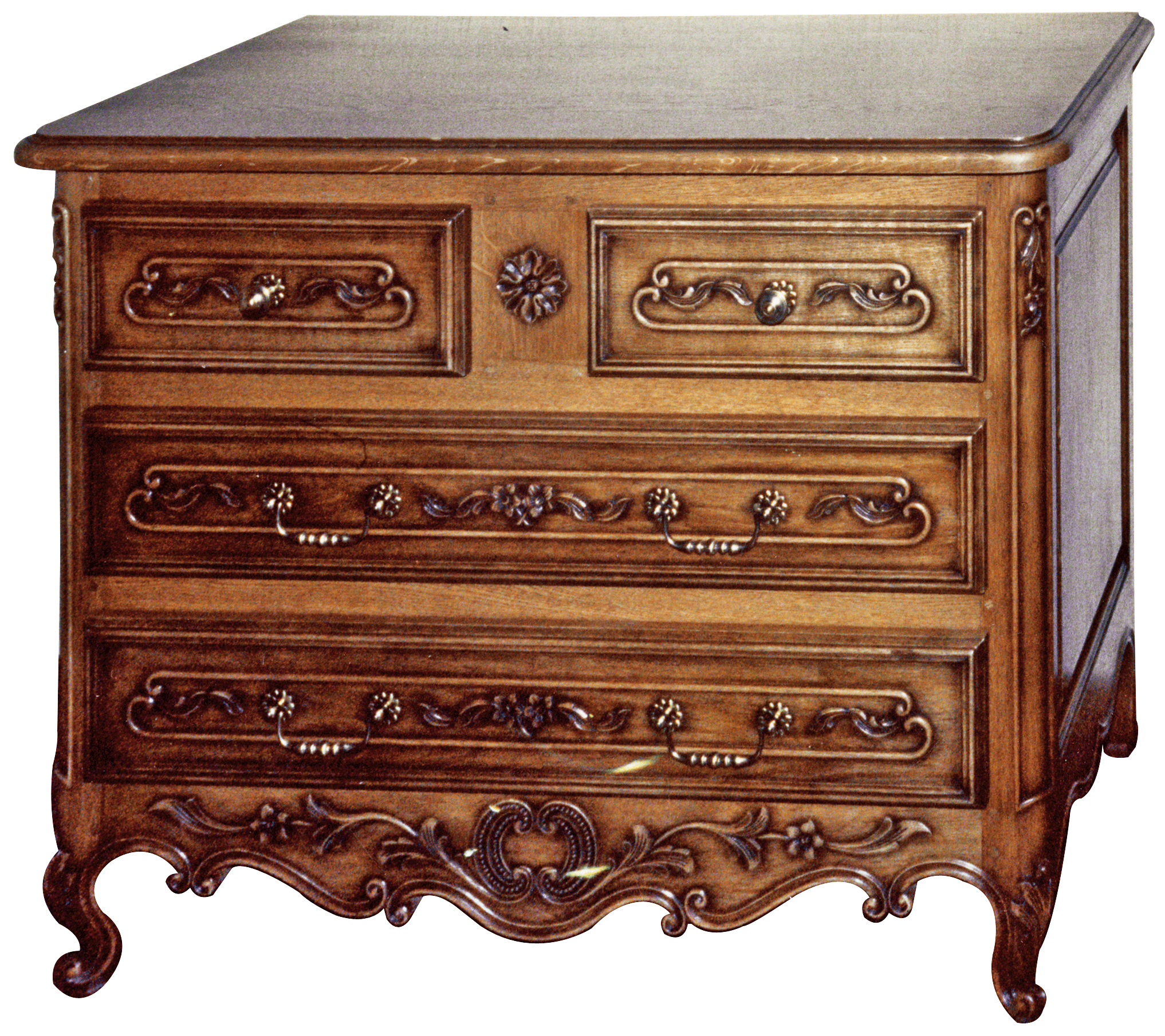 Une commode traditionnelle bois le bouvet for Meuble bois commode