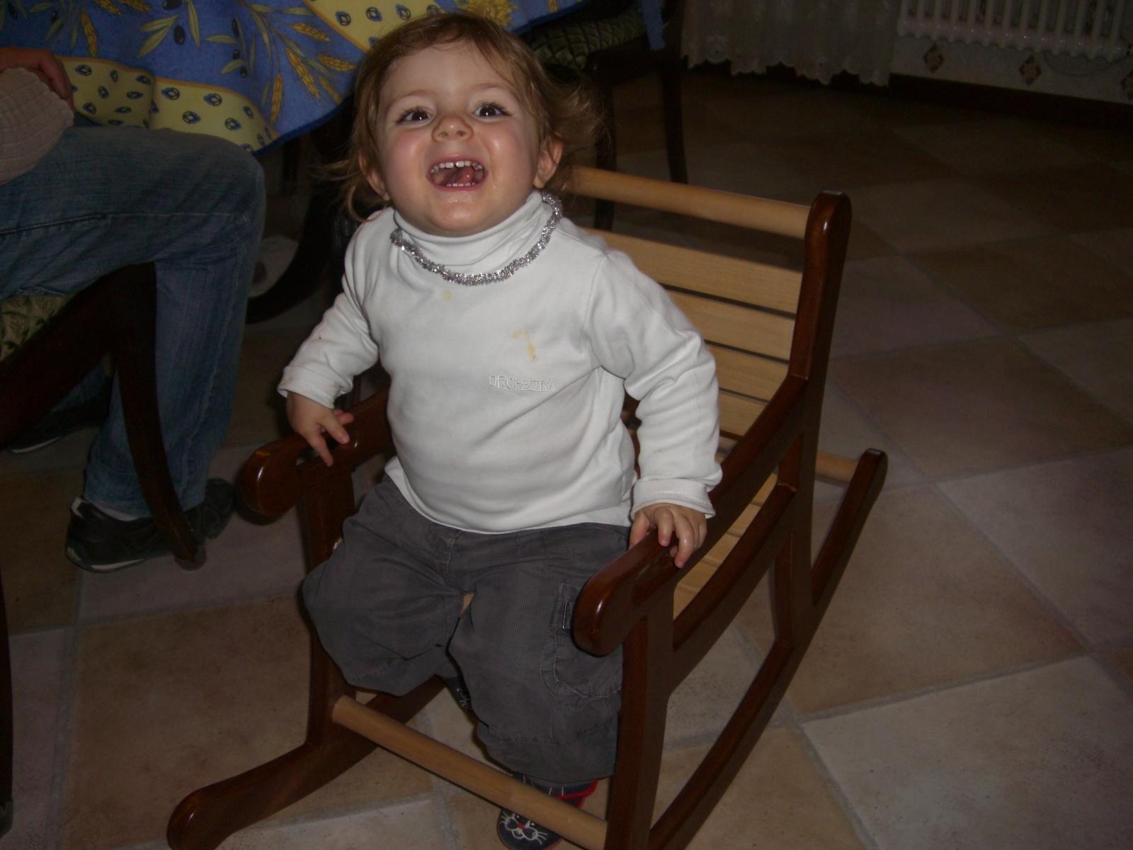un fauteuil bascule pour enfant bois le bouvet. Black Bedroom Furniture Sets. Home Design Ideas