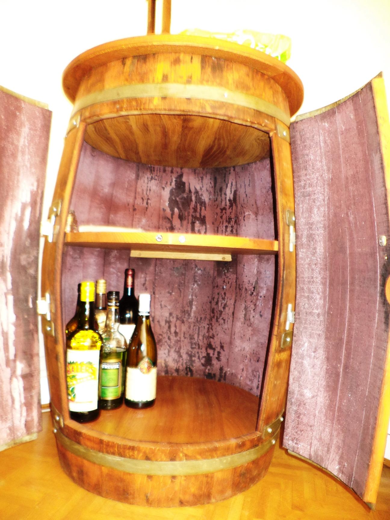 un bar tonneau bois le bouvet. Black Bedroom Furniture Sets. Home Design Ideas
