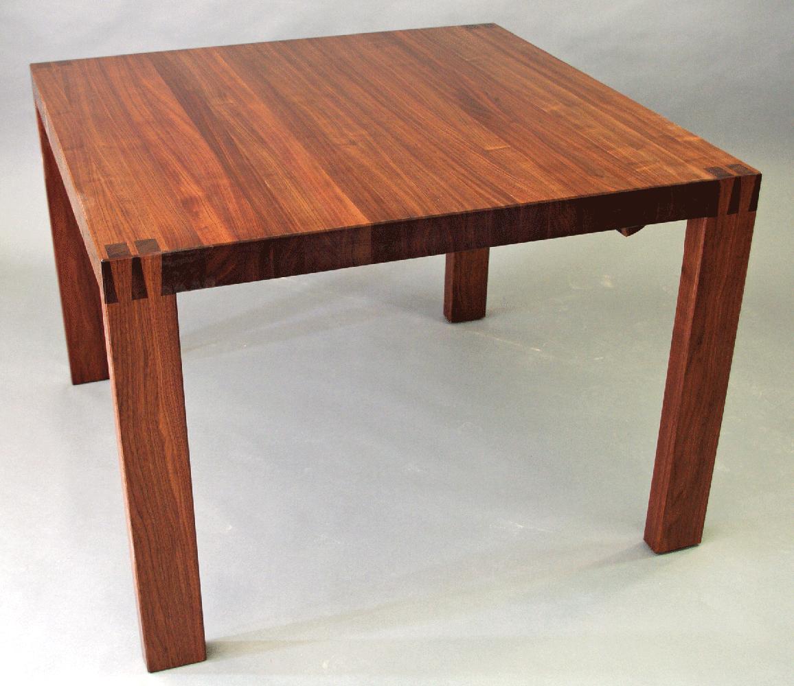 Une table basse contemporaine bois le bouvet for Table en bois contemporaine