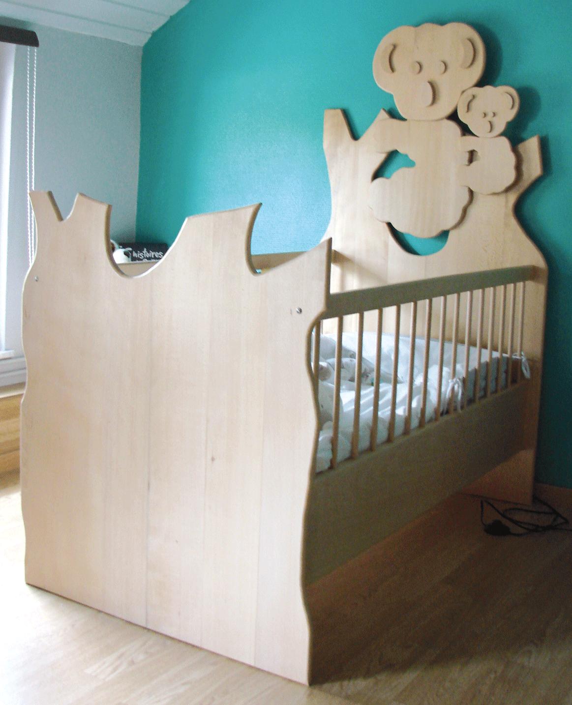 un lit d 39 enfant panneaux d coup s bois le bouvet. Black Bedroom Furniture Sets. Home Design Ideas