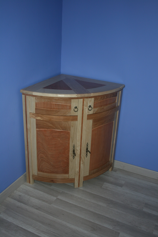Une encoignure multi essences bois le bouvet - Essences de bois pour meubles ...