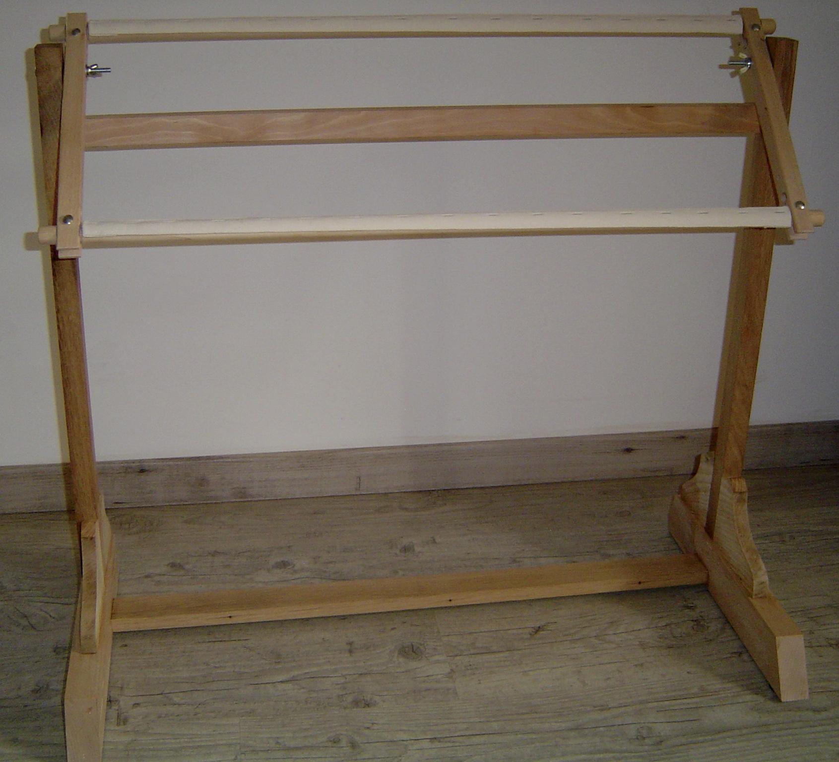 un pi tement tr teau pour m tier broder bois le bouvet. Black Bedroom Furniture Sets. Home Design Ideas