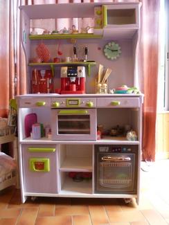 Une cuisinette bois le bouvet une cuisinette bois le - Comment fabriquer une cuisine pour petite fille ...
