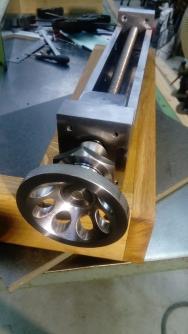 Presse en bout d'établi : métal et bois 1