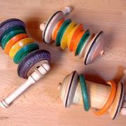 Un bolide à élastique : variantes