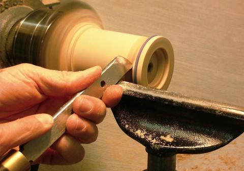 Un bolide à élastique : cylindrage