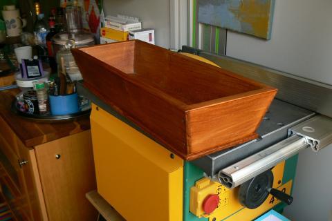 Atelier bois dans la cuisine : une bannette à pain