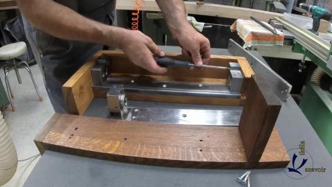 Travail du métal : fabriquer une presse d'établi, assemblage final de la presse 1