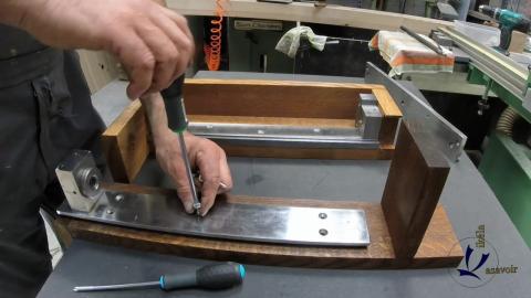 Travail du métal : fabriquer une presse d'établi, assemblage final de la presse 2