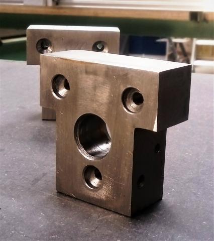 Travail du métal : fabriquer une presse d'établi, blocs de fixation 1