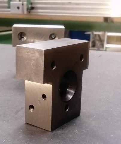 Travail du métal : fabriquer une presse d'établi, blocs de fixation 2