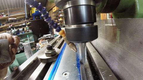Travail du métal : fabriquer une presse d'établi, fraisage métal