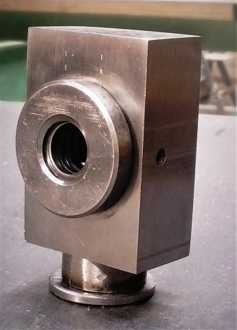 Travail du métal : fabriquer une presse d'établi, support de noix 1