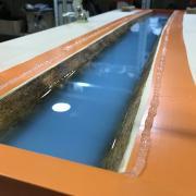 Un bureau façon « river table » pas-à-pas - Aspect après débullage de la deuxième strate