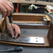 Presse en bout d'établi : métal et bois 3